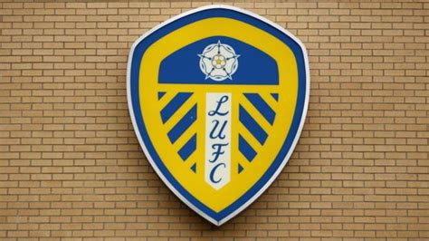 Leeds United: Club delays introduction of new crest until