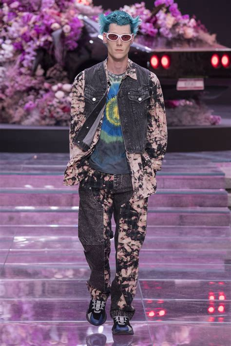 VERSACE SPRING SUMMER 2020 MEN'S COLLECTION   The Skinny Beep